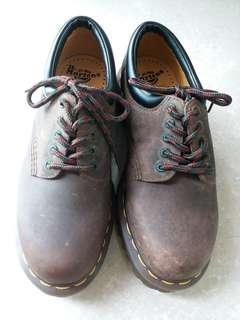 全新Dr. Martens復古款鞋