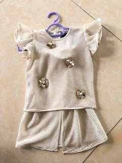Baby baju kurung