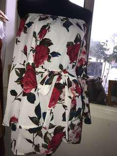 Floral playsuit size small (8)