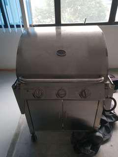 Qwell Silver BBQ Gas Grill for sales