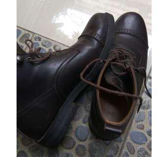 Boots coklat size 43