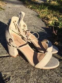 Spur heels