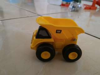 Mobil truck cat