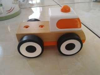 Mobil orange ikeA