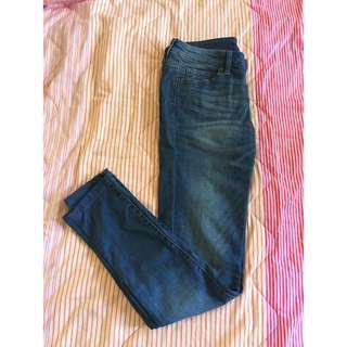 🚚 Uniqlo 刷色直筒牛仔褲