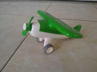 Pesawat hijau