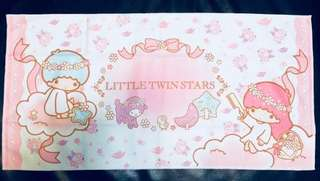 Dove x Little Twins Stars towel