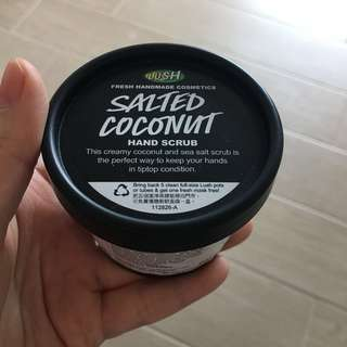 Lush salted coconut hand scrub 海鹽椰子手部磨沙