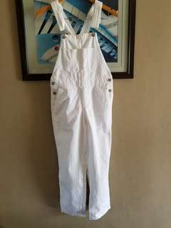 GU white jumper