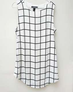 (只穿1次)Forever 21白底黑線格仔連身裙 (Worn once) Forever 21 White with black lined checkered dress/ one-piece