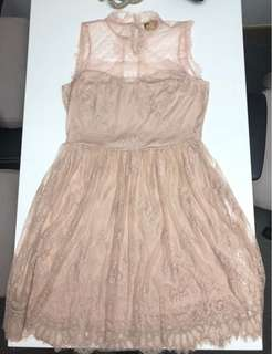 H&M(gold label) beige lace skater dress
