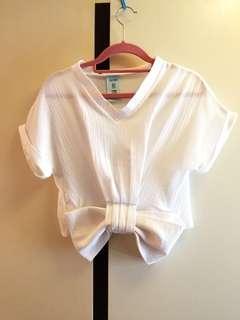 pe:title 白色蝴蝶結短袖壓皺V領上衣