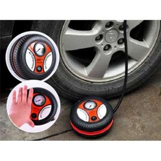 [多用途汽車打氣泵] 充氣快,簡單快捷,直徑只有約 17.5cm,設有儀表顯示氣壓,非常安全
