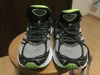 Running Shoe- Saucony