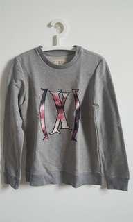 XSML sweater abu2 size M New