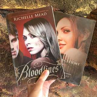 Vampire Academy & Bloodlines by Richelle Mead