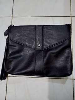 Fullhardy dark brown clutch