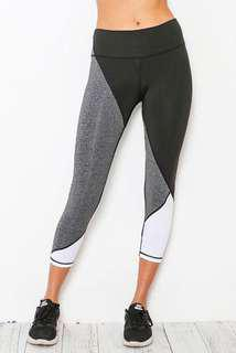 Maude Leggings in Black and Gray