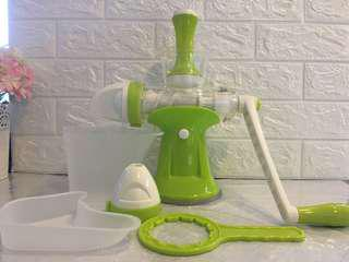 Juicer / manual juice machine