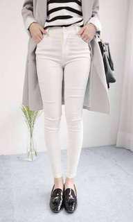 開釦百搭白褲