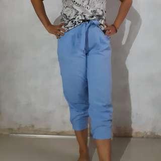 Celana baby blue