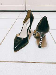 🚚 二手-黑色尖頭鑲鑽高跟鞋(37)九成新