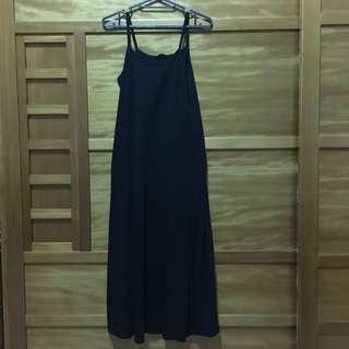 🚚 長長的黑色洋裝