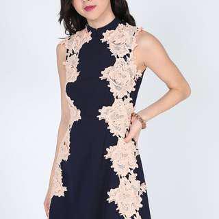 Love Bonito Neleigh High Neck Lace Dress - Size : M