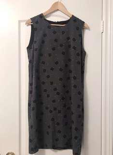 Joe Fresh cat sheath dress in size 4