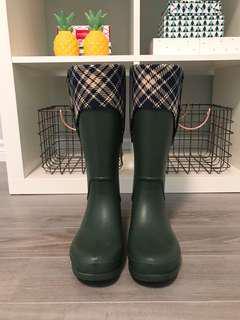 Crocs Rain Boots, size 7