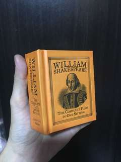 Pocket-size William Shakespeare plays in one sitting