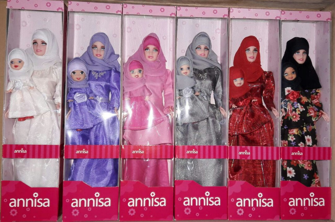 Boneka Barbie Annisa Muslimah Couple ( Ibu   Kelly ) 3406d7fd00