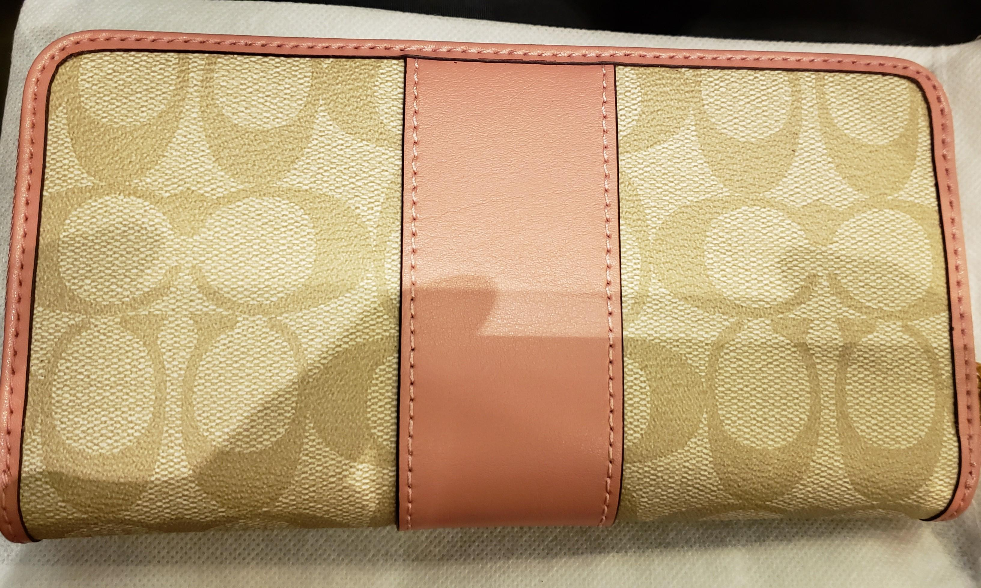 brand new coach wallet in pink color