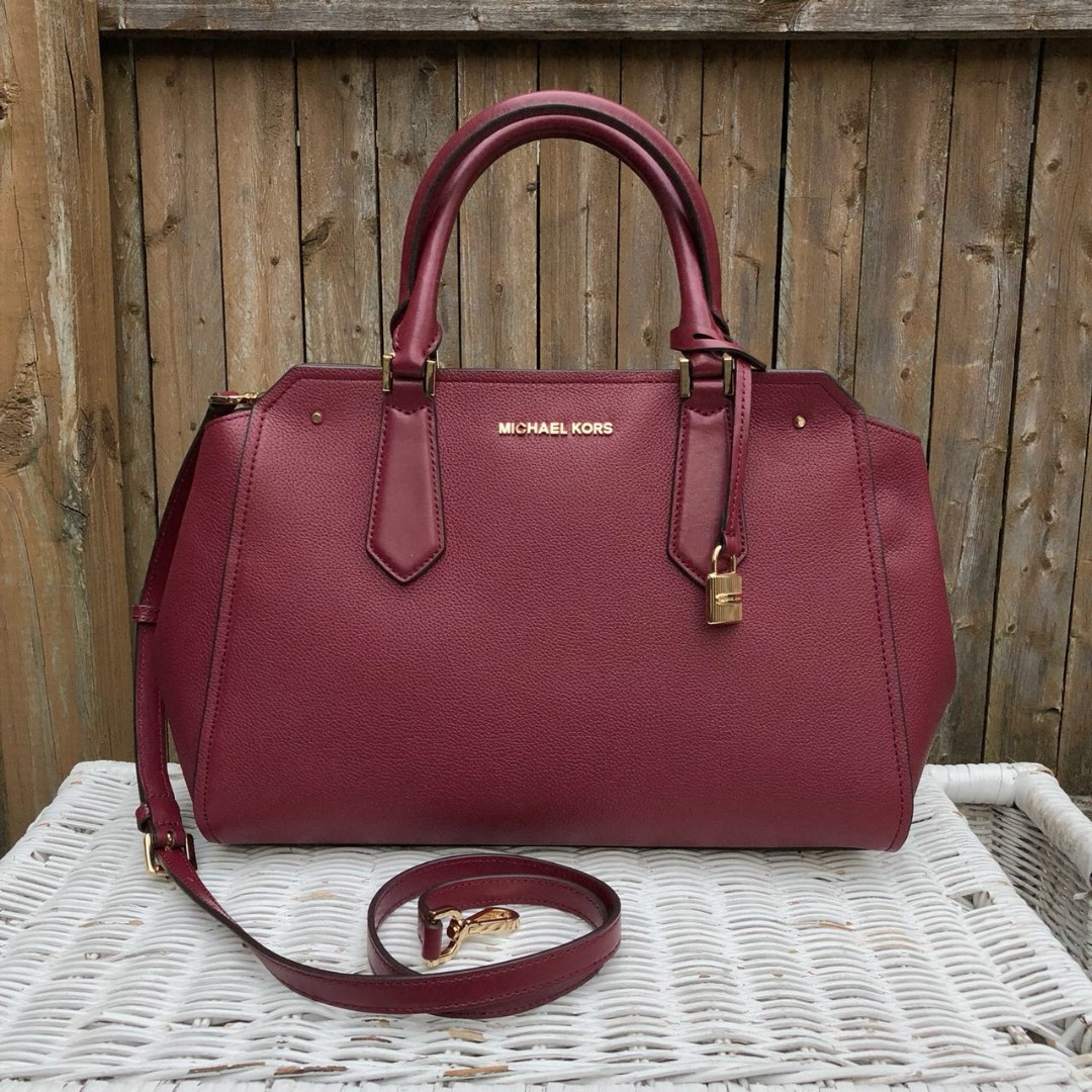 29bf54818cd6ae Michael Kors hayes large satchel in mulberry, Luxury, Bags & Wallets,  Handbags on Carousell