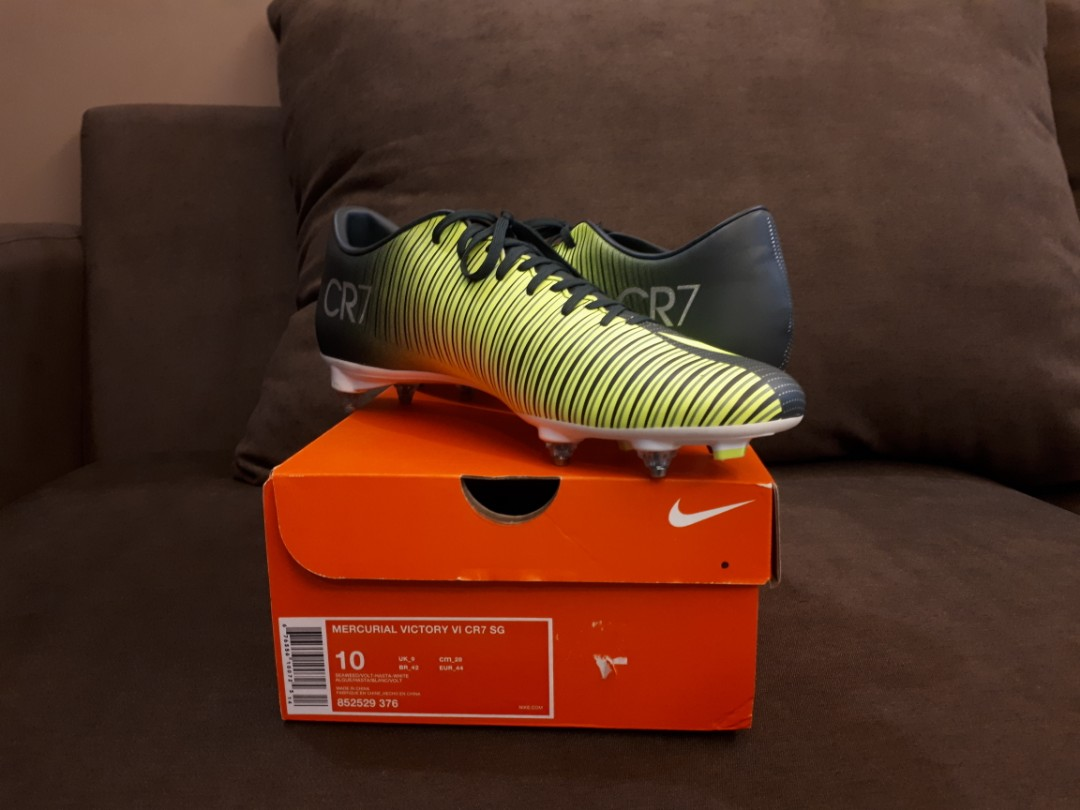 check out 56a67 6c705 Nike Mercurial Victory VI CR7 SG