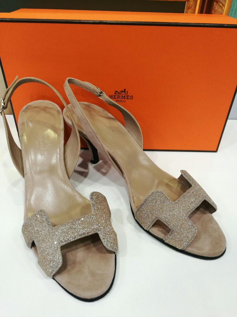 bb55683c51b9 Preloved Authentic Hermes Shoe