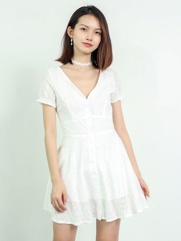White eyelet dress c25483040