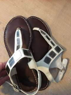 American eagle size 7 sandals