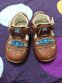 🚚 全新男童涼鞋