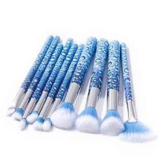 Brand new brush set + free make up bag