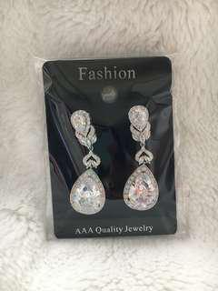 Brand new bridal earrings, excellent quality cubic zirconia crystals