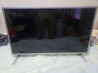 "LG 32LB5800 ( 32"") Full HD smart TV 行貨超新"