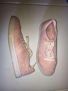 Factorie pink canvas shoes