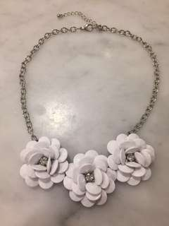 Necklace with white flowers & jewels