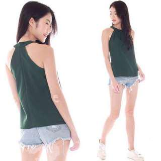 🚚 INSTOCK | Forest Green The J Label Teagan Halter Pleat Top