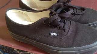 VANS AUTHENTIC BLACK/BLACK SIZE 39 ORIGINAL 100%!!!