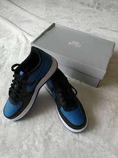 💯% Authentic 👟 Nike Air Force 1 (GS) - Size 6.5Y = Youth/M 6.5 = Men's/W 8 = Women's (Black/Star Blue-White)