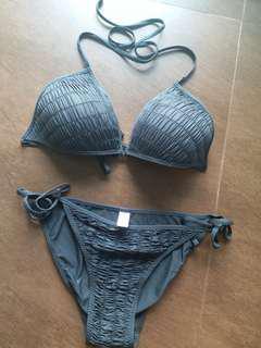 全新出口黒色bikini Size 46