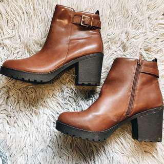 Chunky Heeled Brown Boots
