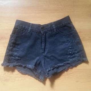 SALE! Highwaist black denim shorts